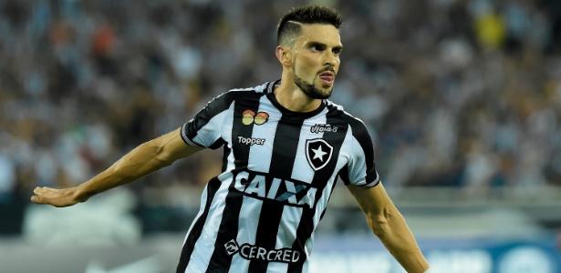 Rodrigo Pimpão comemora gol do Botafogo sobre o Bahia - Thiago Ribeiro/AGIF