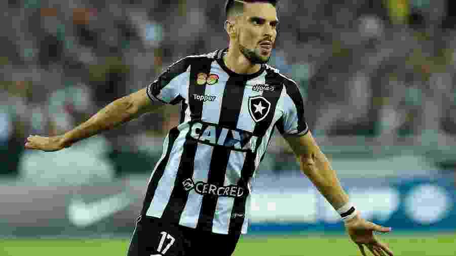 Rodrigo Pimpão vive momento complicado no Botafogo e pode perde espaço para jovens atletas - Thiago Ribeiro/AGIF