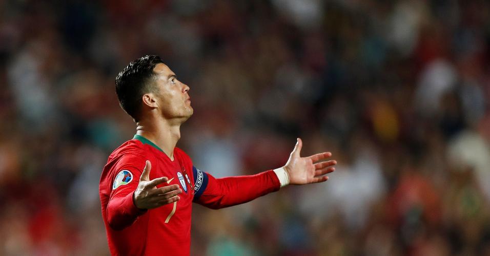 Cristiano Ronaldo, durante partida entre Portugal e Sérvia