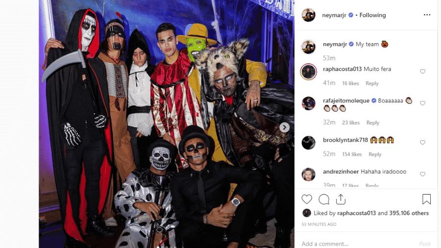 Neymar, de Máskara, mostrou as fantasias dos colegas de PSG em festa de Halloween - Instagram/Reprodução