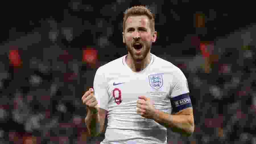 Harry Kane comemora seu gol pela Inglaterra contra Montenegro - Reuters/Carl Recine