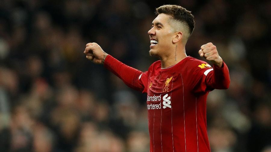 O brasileiro Roberto Firmino comemorou o título do Liverpool na Premier League - Matthew Childs/Action Images via Reuters