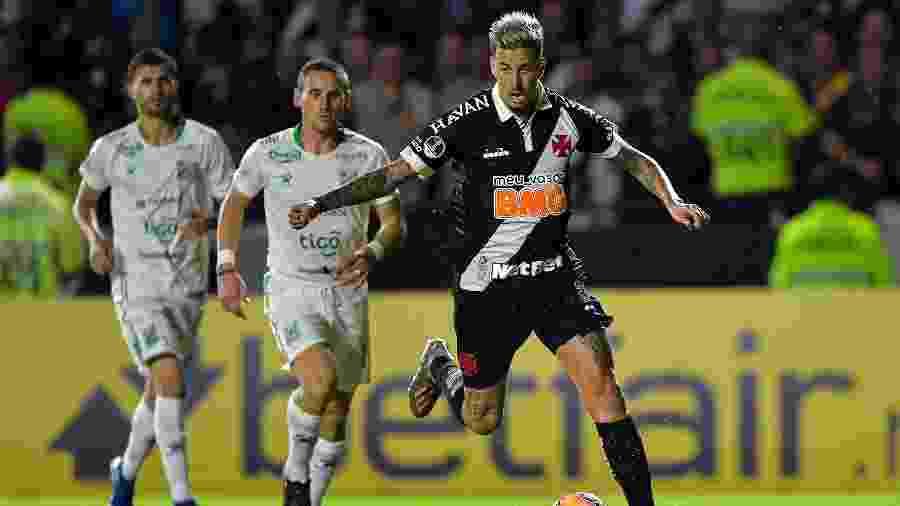 Lance da partida entre Vasco e Oriente Petrolero, em São Januário, pela Copa Sul-Americana-2020. Só dois brasileiros sobraram - Thiago Ribeiro/AGIF
