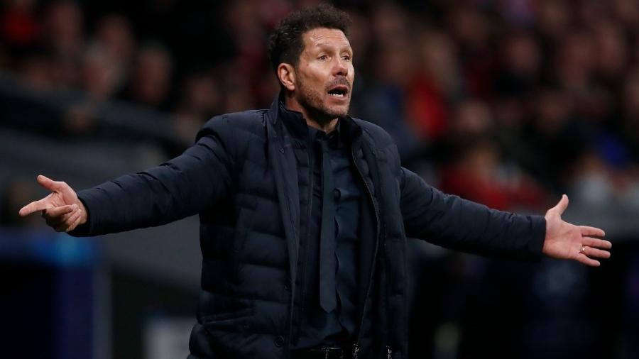 Técnico Diego Simeone gesticula em partida do Atlético  - Soccrates Images / Colaborador