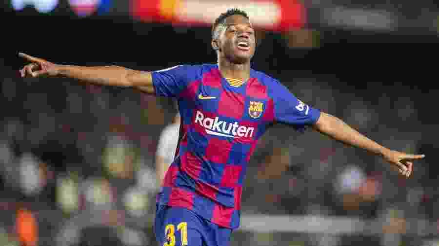 Ansu Fati comemora gol marcado para o Barcelona - Tim Clayton/Corbis via Getty Images