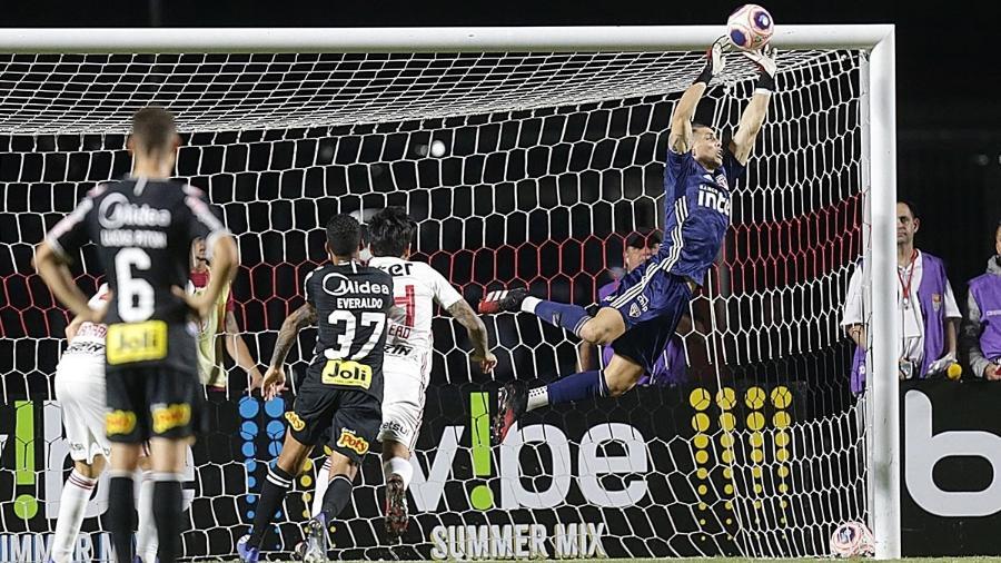 Volpi faz defesa em cobrança de falta de Luan no clássico entre São Paulo e Corinthians, no fim de fevereiro - Paulo Pinto/saopaulofc.net