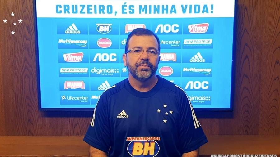 Anunciado há um mês, Enderson Moreira tem estudado o elenco e traçado o perfil do grupo que quer trabalhar - Cruzeiro/Divulgação