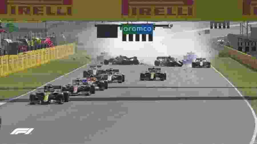 Problemas na relargada do GP da Toscana de F1 - Reprodução/Twitter F1