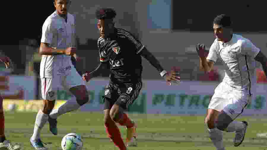 Tchê Tchê deve ser o lateral direito do São Paulo na partida contra o Fortaleza, no domingo - Rubens Chiri/São Paulo FC