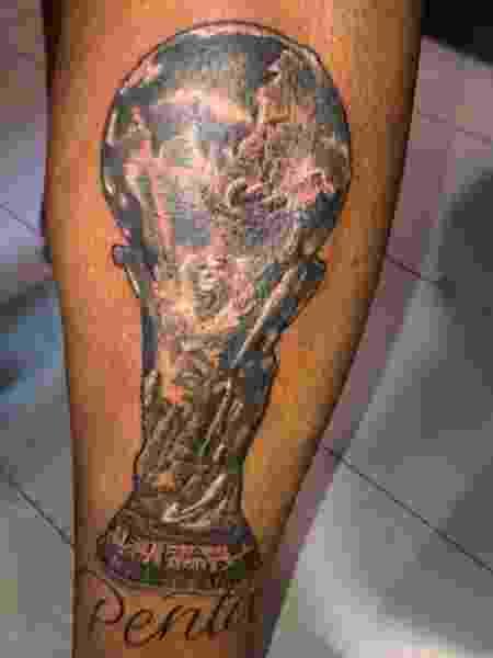 Júnior tatua taça do pentacampeonato mundial da seleção brasileira - Reprodução/Instagram