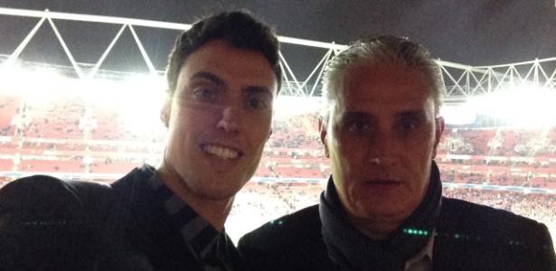 Matheus Bacchi ao lado do pai Tite em viagem à Europa no ano passado - Arquivo pessoal
