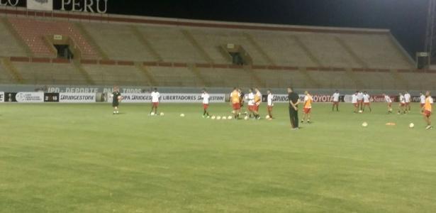 Bauza comanda treino do São Paulo no Peru
