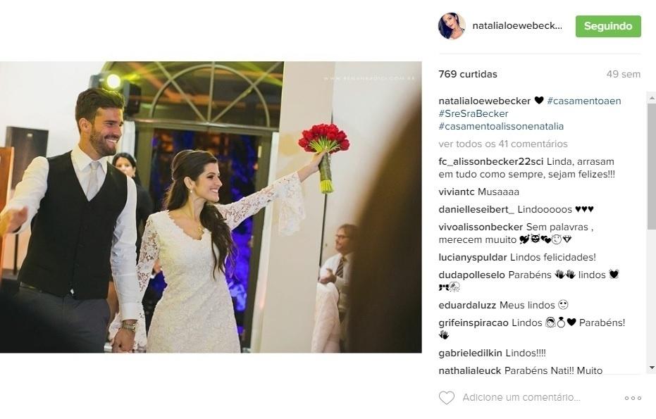 Alisson e Natália se casaram numa cerimônia na casa da família em Esteio