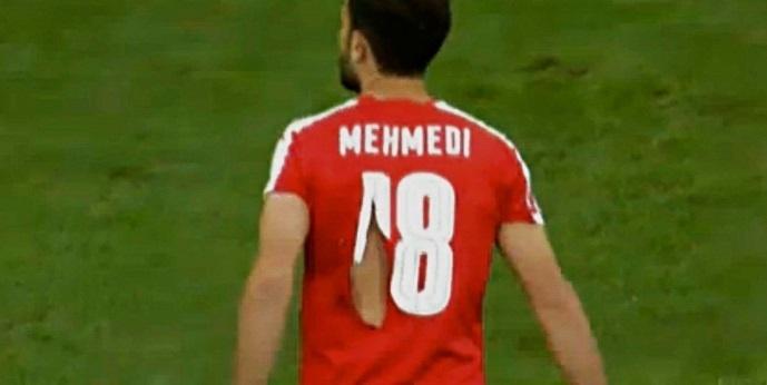 Admir Mehmedi foi o primeiro jogador da Suíça a ter a camisa rasgada na partida contra a França válida pela Eurocopa