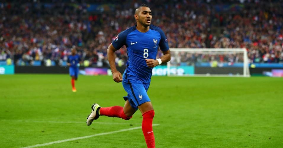 Dimitri Payet, da França, comemora gol marcado contra a Islândia na Eurocopa 2016