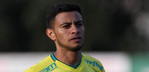 Cleiton Xavier tem sido importante peça de Cuca nos jogos em São Paulo