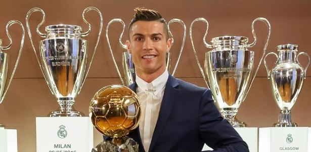 Cristiano Ronaldo ganhou a Bola de Ouro da FranceFootball