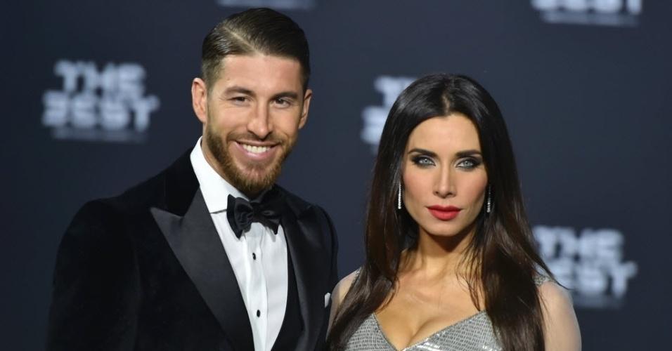 Sergio Ramos e sua mulher, a apresentadora de TV na Espanha Pilar Rubio, chegam para o evento Melhor da Fifa