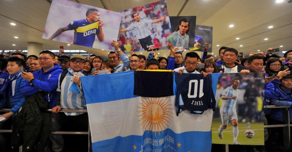 Torcedores levaram bandeiras, camisas e pôsteres de Tevez