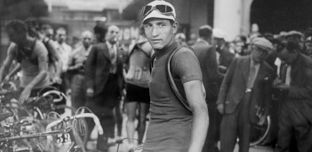 """Bartali ganhou três vezes o Giro d""""Italia e duas o Tour de France - Reprodução/Twitter"""