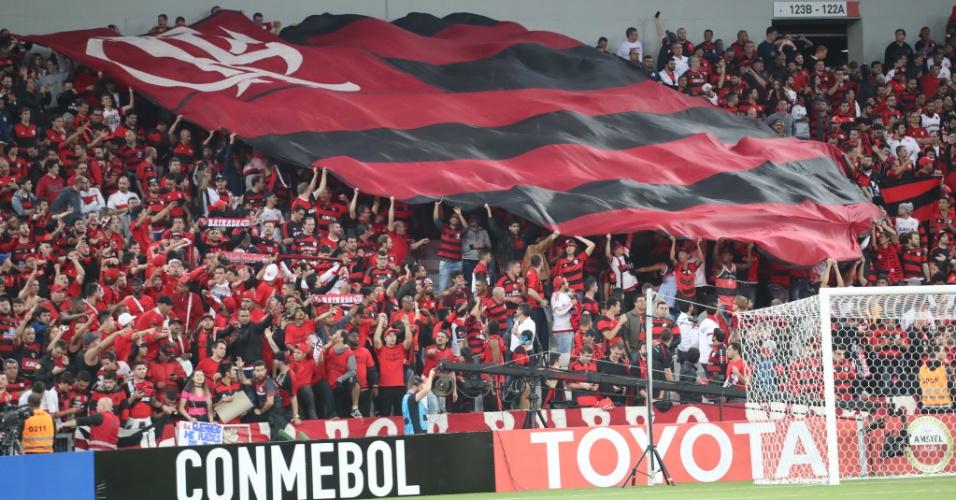 Os torcedores do Fla estiveram em Curitiba semana passada: noite de torcida dupla