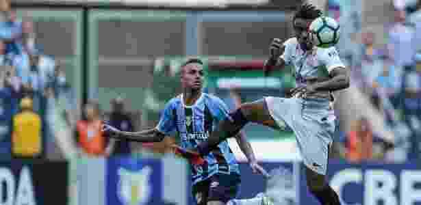 Paulo Roberto atuou contra o Grêmio e deu a assistência para gol de Jadson - Rodrigo Gazzanel/Ag.Corinthians