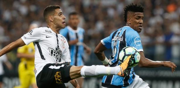 Cortez, do Grêmio, não tem presença garantida contra o Vitória, no domingo