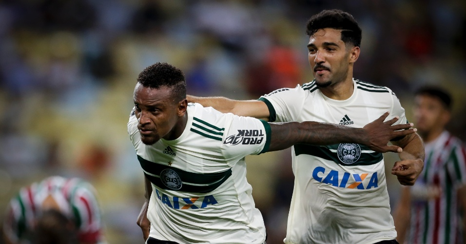 Cleber Reis marcou pelo Coritiba contra o Fluminense