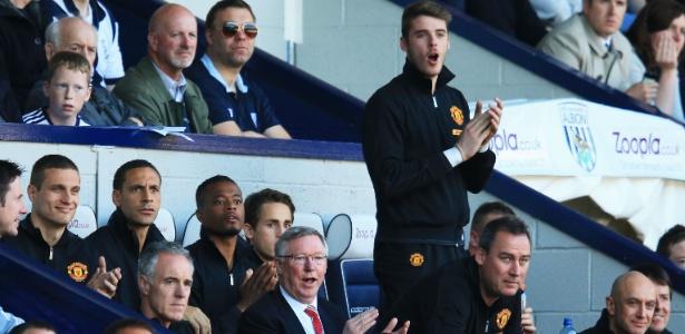 Alex Ferguson (sentado, de óculos) levou De Gea (em pé) para o Manchester em 2011
