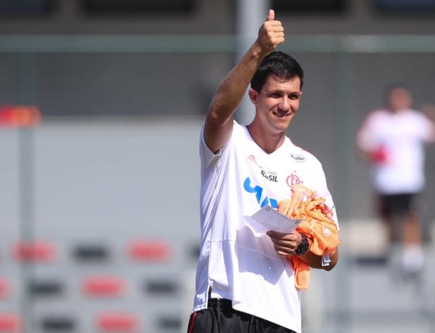 Maurício Barbieri conta com lobby nos bastidores para seguir como técnico do Flamengo