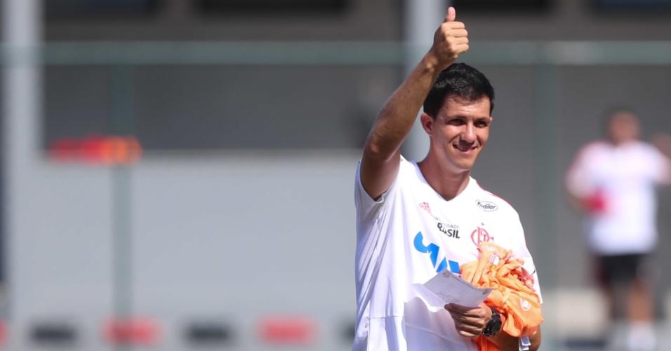 Marcelo Barbieri conta com intenso lobby nos bastidores para seguir como técnico do Flamengo