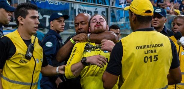 Torcedor do Grêmio pegou 15 jogos de suspensão após audiência no JECRIM