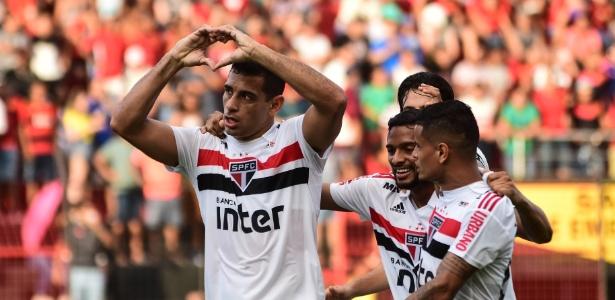 O atacante Diego Souza será opção para o técnico Diego Aguirre - Paulo Paiva/AGIF