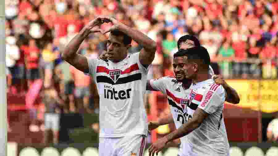 Diego Souza comemora gol do São Paulo contra o Sport pelo Brasileirão - Paulo Paiva/AGIF