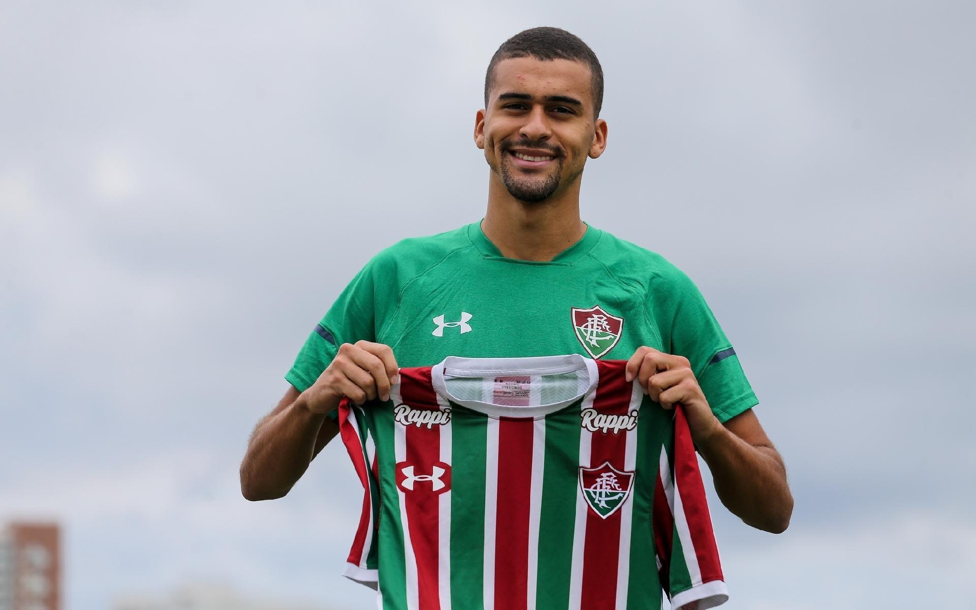0fc1917071 Fluminense oficializa contratação de zagueiro Léo Santos