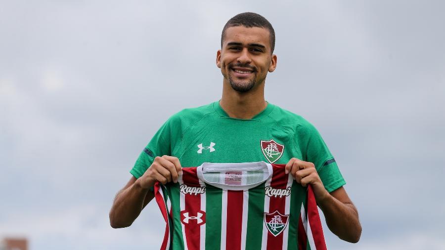 Léo Santos foi contratado pelo Fluminense - Lucas Merçon/Fluminense