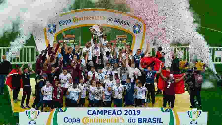 Athletico-PR ergue taça da Copa do Brasil: não estava no Clube dos 13, mas o status mudou - Jeferson Guareze/AGIF