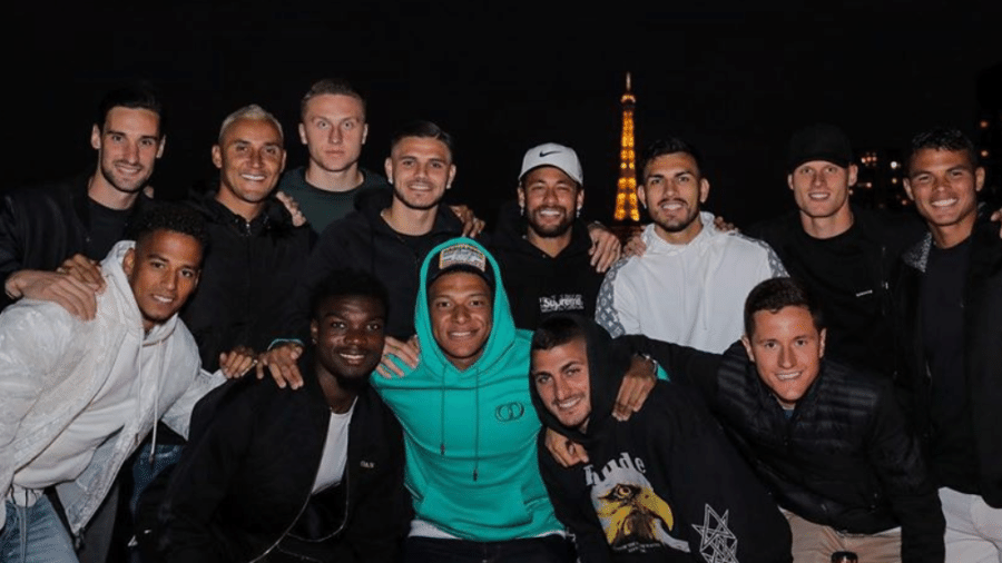 Elenco do PSG comemora feriado na França - Reprodução/Instagram