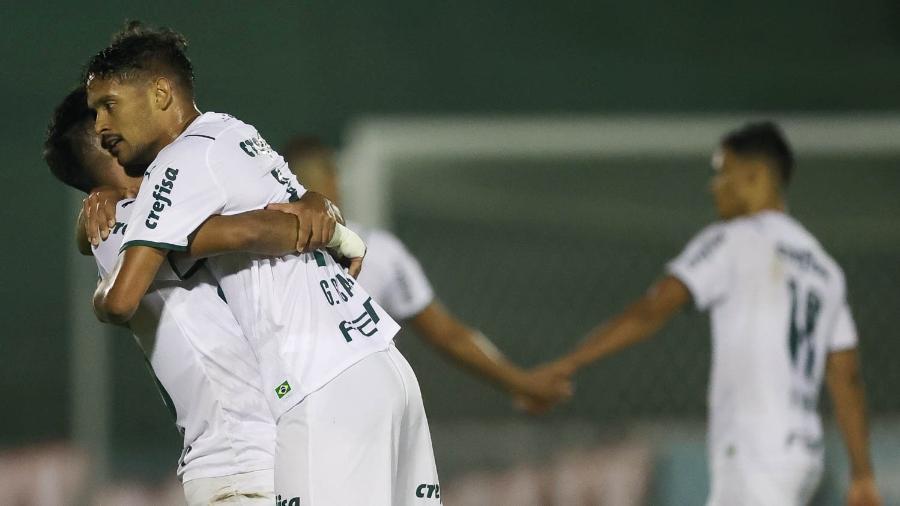 Gustavo Scarpa comemora gol do Palmeiras contra o Guarani, pelo Campeonato Paulista - Cesar Greco