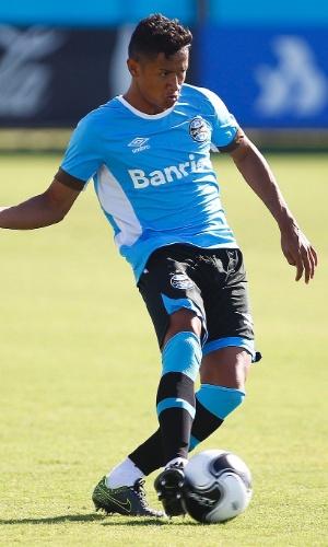 Lateral direito Wesley, promovido para o elenco principal do Grêmio