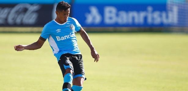 Lateral direito Wesley terá primeira chance em jogo oficial pelo Grêmio