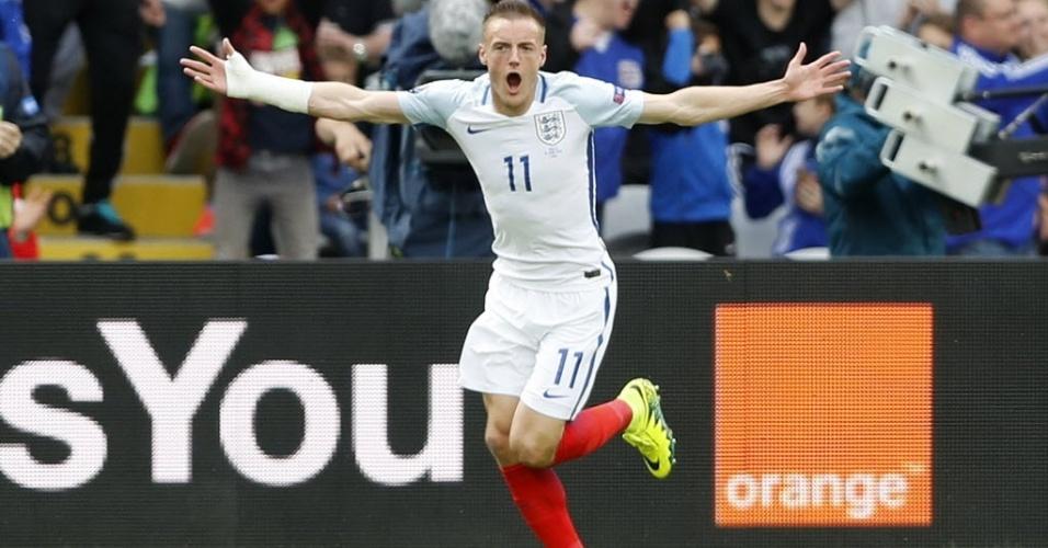 Vardy comemora gol da Inglaterra