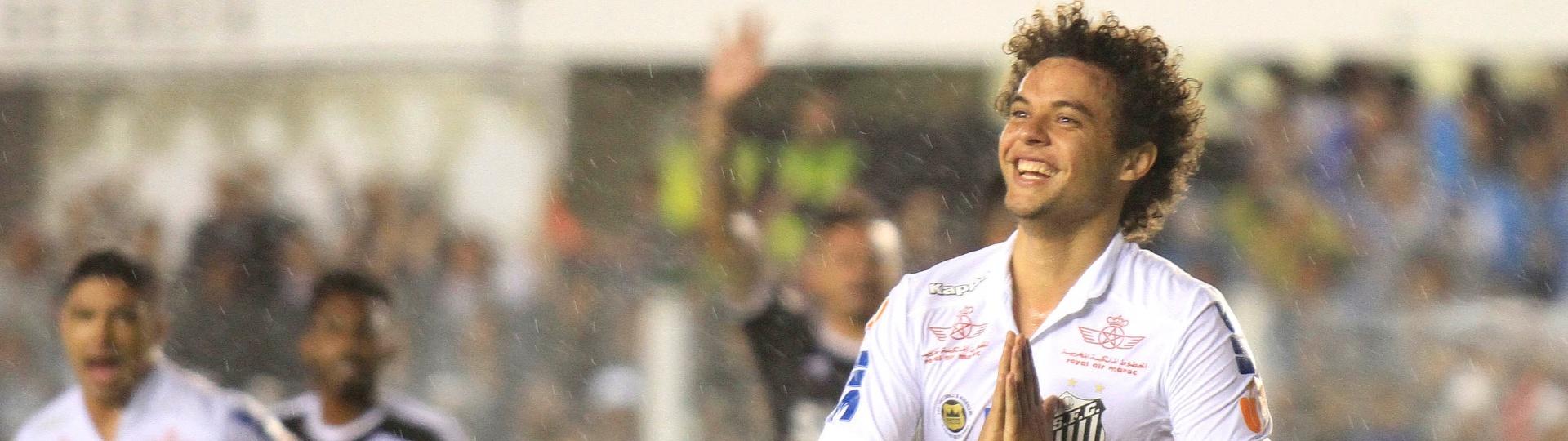 Victor Ferraz comemora gol do Santos diante da Ponte Preta na Vila Belmiro