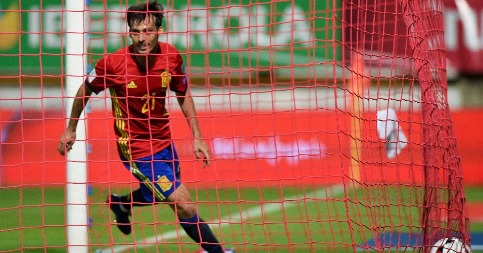 David Silva comemora gol da Espanha contra Lichtenstein