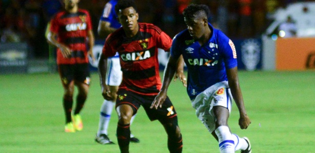 Marcos Vinícius está no Rio para fazer exames pelo Botafogo