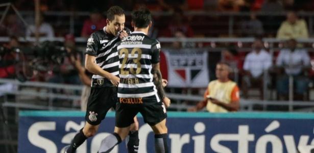 Rodriguinho comemora gol marcado contra o São Paulo