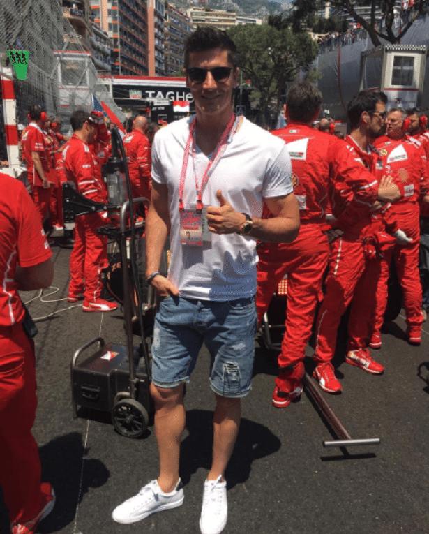 Robert Lewandowski, centroavante do Bayern de Munique, deu um pulinho até Mônaco para acompanhar o GP da Fórmula 1