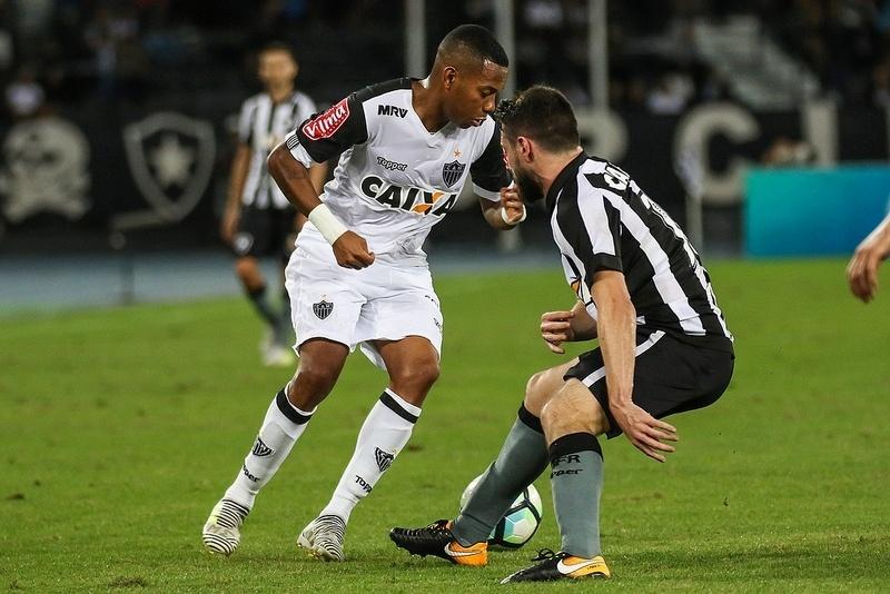 Desempenho de Robinho em 2017 faz torcida do Atlético-MG questionar o atacante