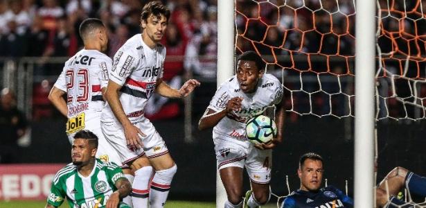 Denílson defendeu o São Paulo na última temporada