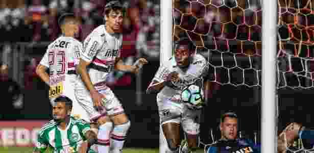 Denilson comemora gol marcado com a camisa do São Paulo - Ale Cabral/AGIF
